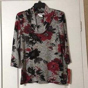 Nice New With Tags Women's Size Petite Floral Tops